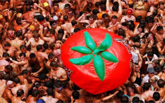 Фестиваль «томатина» в Буньоле