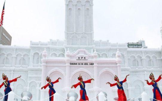 Снежный фестиваль  Sapporo Snow Festival в Саппоро
