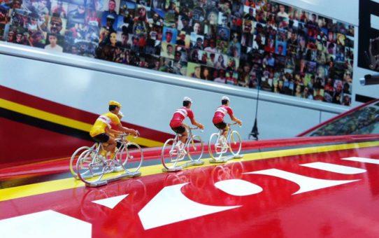 Выставка велосипедов velofolliesв Кортрейке