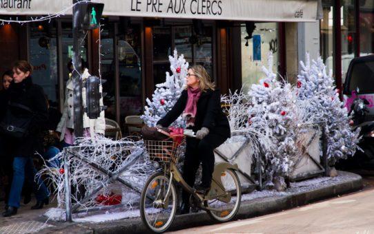 Рождественская атмосфера в Париже