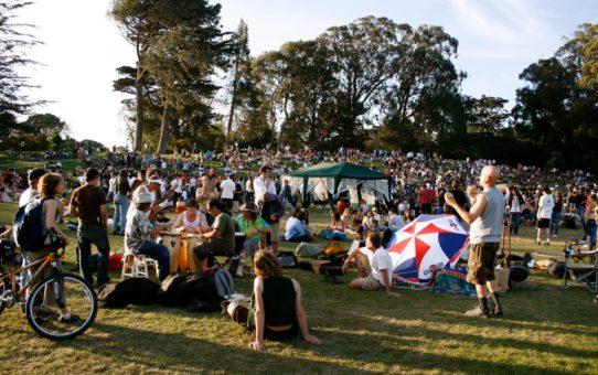 Фестиваль 420 Hippie Hill в Сан-Франциско