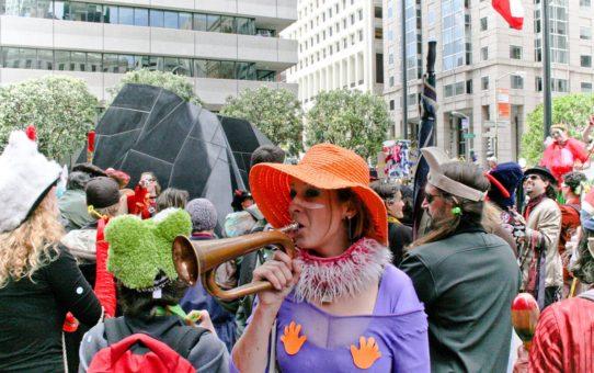 Парад в День святого Дурака в Сан-Франциско