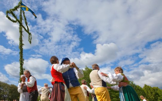 Праздник середины лета в Швеции