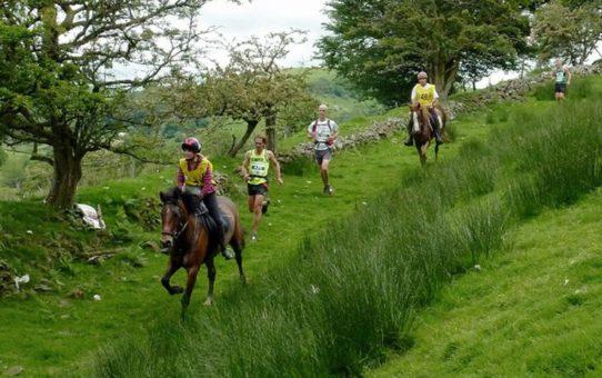Марафон между мужчинами и лошадьми в Уэльсе