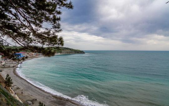 Ольгинская бухта на берегу Черного моря