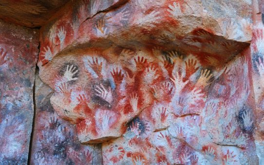 Пещера рук Куэва-де-лас-Манос в Аргентине