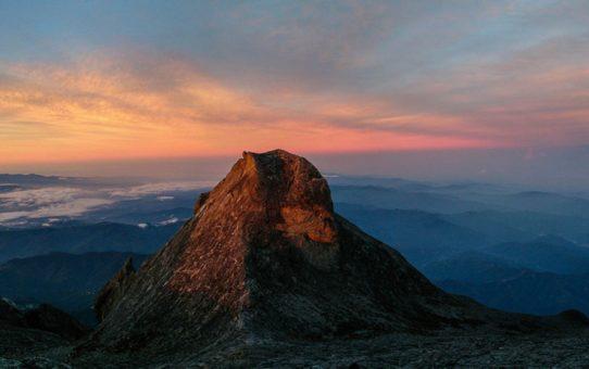 Восход на горе Кинабалу
