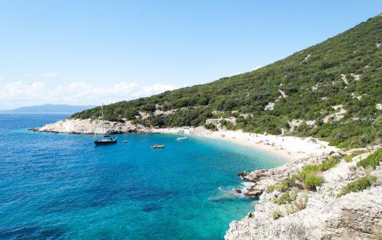 Пляжный сезон в Хорватии на Адриатическом море