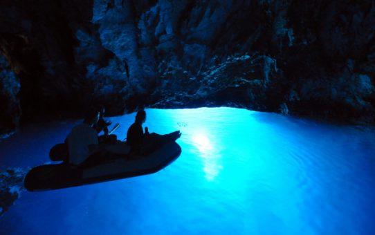 Голубая пещера в Хорватии