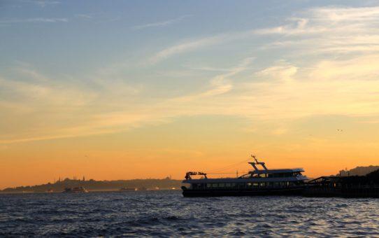 Круиз по Босфору на закате в Турции