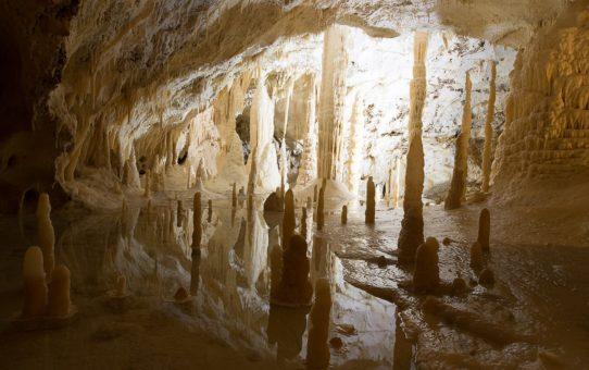 Пещеры Фразасси (Grotte di Frasassi) в Италии