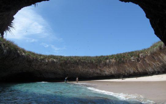 Пляж Playa Del Amor в Мексике