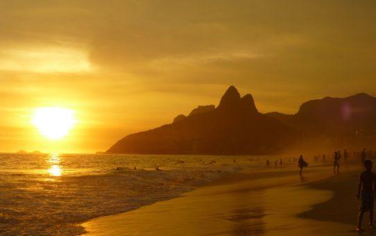Наблюдая за закатом в Рио-де-Жанейро