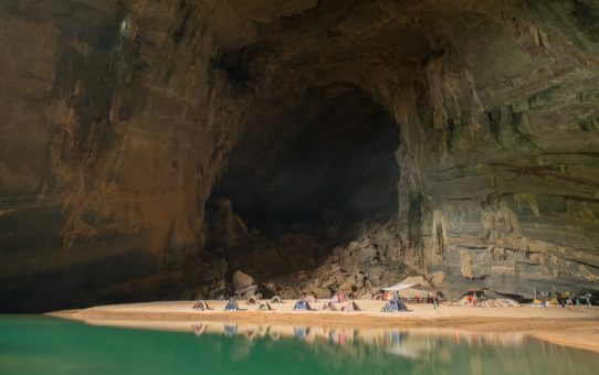 Исследование пещер Hang Son Doong